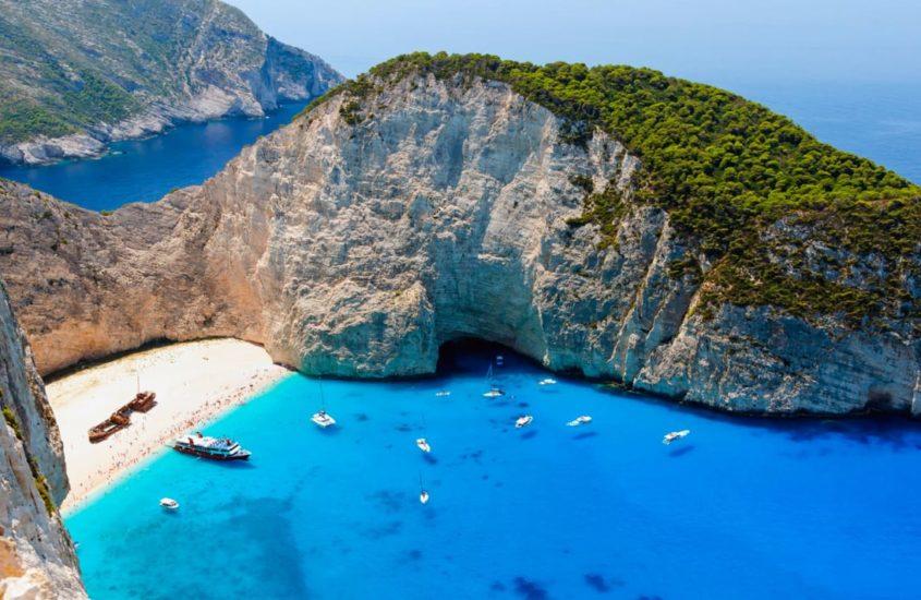 Görögország az első, amely úgy határozott, a koronavírus nem törölheti el a nyarat!