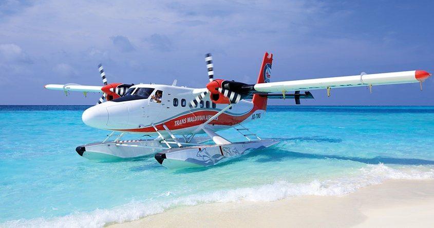 Strandpapucsos pilóták a Maldív-szigeteken