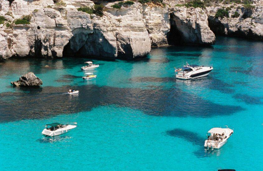 7 éj Menorca Bécsből közvetlen járattal 2021 júliusban 3*-os medencés szállodával 119.816,- Ft/fő áron!