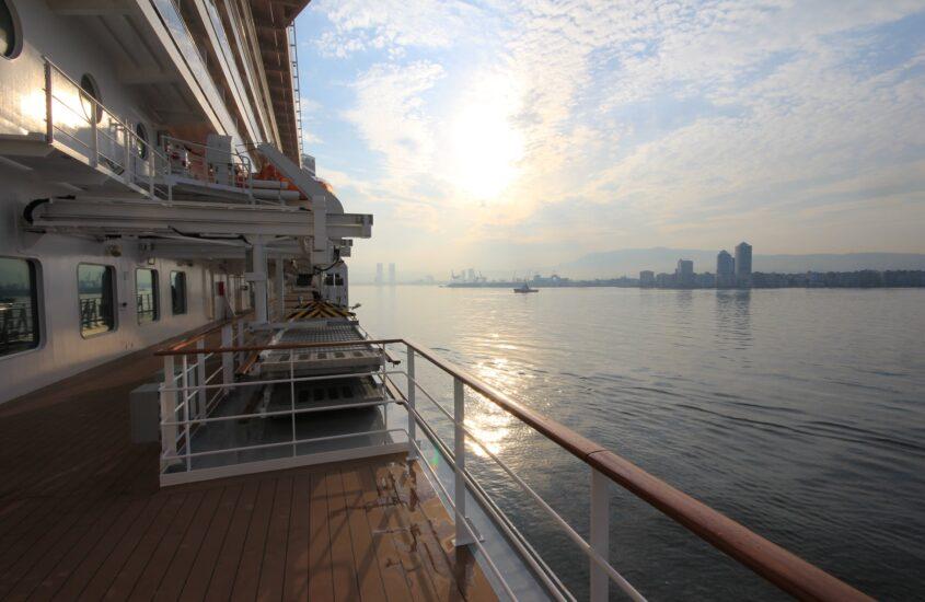 Földközi-tengeri hajóút 5.: Izmír felé