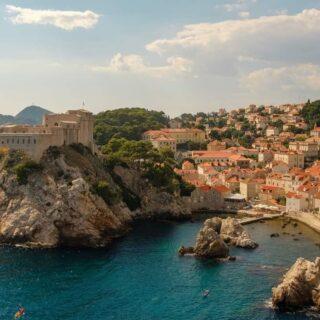 HORVÁTORSZÁG HÍREK!!!  Szíjjártó Péter videóüzenetben jelentette be, hogy megszületett a megállapodás Horvátország és Magyarország között! A két ország kölcsönösen elfogadja egymás védettségi igazolványát, így az azzal rendelkező horvát és magyar állampolgárok teszt és karanténkötelezettség nélkül utazhatnak egymás országába! Pontos részletek később!!!  https://fb.watch/5itS9ZfL03/