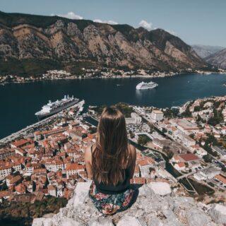 Montenegro információ!  2021.06.05-től l az EU állampolgárai, így a magyar utazók is, valamint a Magyarországon tartózkodási engedéllyel rendelkező külföldiek korlátozás (teszt- és karanténkötelezettség) nélkül léphetnek be Montenegróba.  https://konzuliszolgalat.kormany.hu/europa-utazasi-tanacsok?montenegro